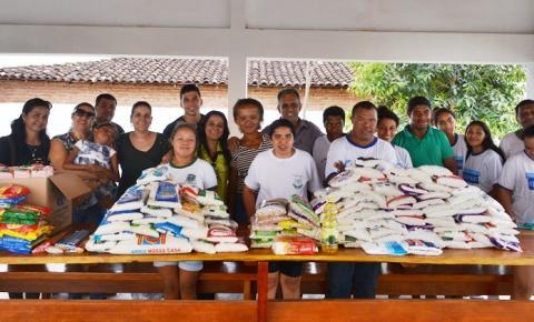 Casa da Cultura faz entrega de alimentos à APAE de Corrente