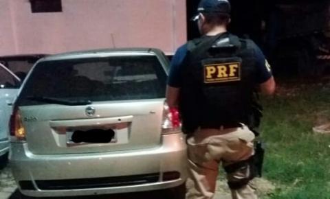 PRF e Polícia Civil recuperam carro roubado em Bom Jesus