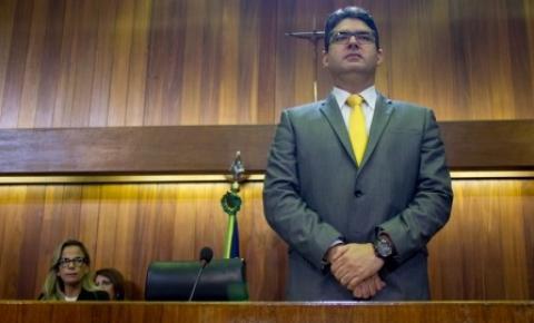 Luciano Nunes pede que governo impeça a greve na Uespi
