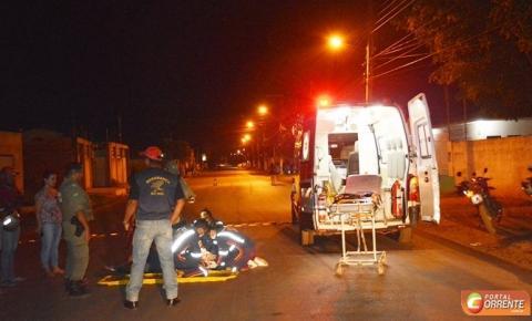 Motociclista que bateu em carreta em frente à 15ª GRE é levado desacordado para o Hospital Regional de Corrente