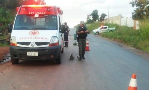 Mulher morre atropelada na BR 135 em Corrente
