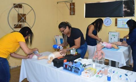 Funcionários do Hospital Regional de Corrente participam de treinamento sobre reanimação neonatal