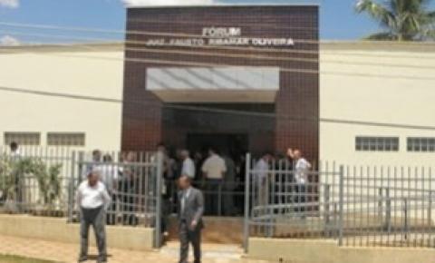 Traficantes presos em Barreiras do Piauí com mais de 300kg de cocaína participam de audiência na Comarca de Gilbués