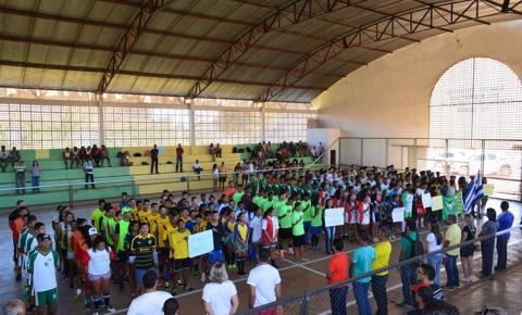Com participação de mais de 300 estudantes, 15ª GRE realiza Jogos Estudantis