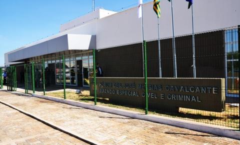 Polícia Militar prende no Fórum de Corrente suspeito de efetuar tiros em via pública