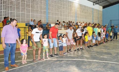 Escola Antônio Rocha promove jogos em comemoração ao Dia dos Pais
