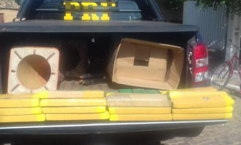 PRF apreende 45 quilos de substância análoga a maconha e recupera veículo com ocorrência de roubo