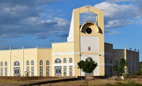 Paróquia Divino Espírito Santo celebra Missa de Finados na noite dessa sexta (2)