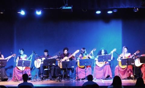 Orquestra de Violões de Corrente realiza bela apresentação na Casa da Cultura