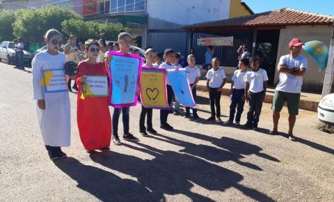 MP, Pelotão Mirim e Polícia Militar realizam blitz educativa no trânsito em Cristalândia