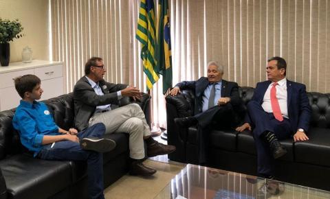 Presidente da Fundação Rio Parnaíba se reúne com o senador Elmano Ferrer e com o deputado Henrique Pires em Brasília