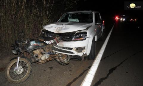 Acidente entre carro e moto deixa um morto na BR-135 em Formosa do Rio Preto