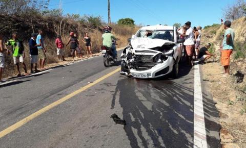 Motociclista morre em grave acidente na BR 135 próximo a Bom Jesus