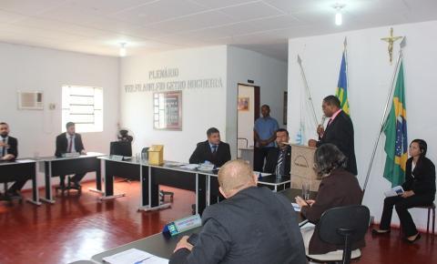 Vereadores rejeitam contas do ex prefeito Moisés Lemos e cassam direitos políticos por 8 anos