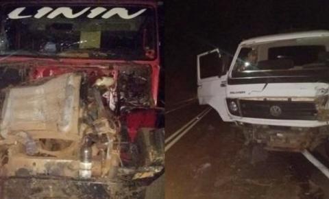 Caminhão desgovernado colide com outro caminhão na descida da serra de São Gonçalo