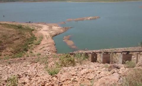 Falta de água: abertura de comportas gera divergência entre os prefeitos de Curimatá e Júlio Borges