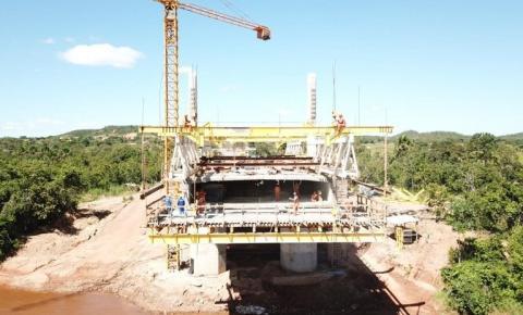 Bolsonaro anuncia que obra de ponte sobre o rio Parnaíba em Santa Filomena será entregue em dezembro