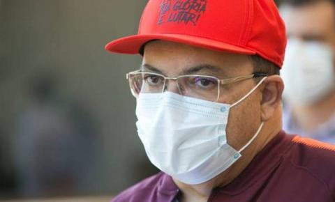 Governador Ibaneis Rocha segue internado e despacha de hospital