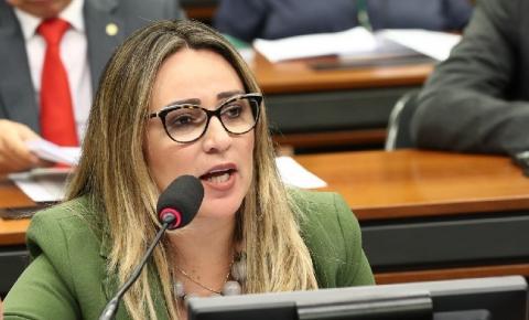 Rejane Dias defende estender Auxílio Emergencial até dezembro