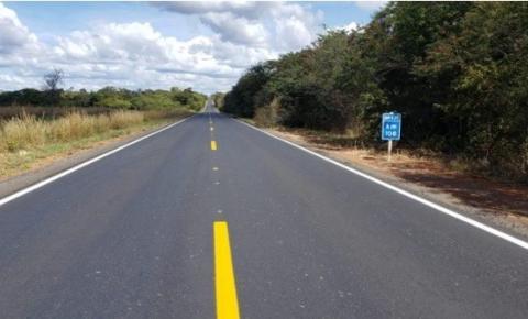DNIT entrega 59 km de pista recuperada da BR 135 entre Formosa do Rio Preto e Barreiras na Bahia