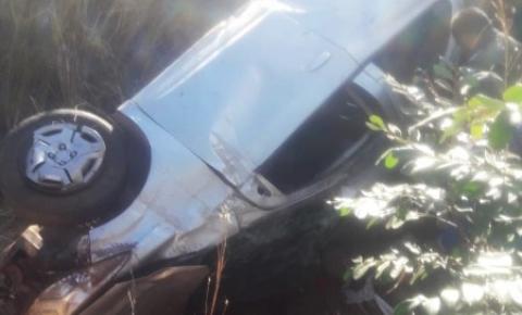 Família que viajava de Brasília à Parnaíba sofre acidente na BR 135 em Corrente