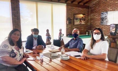 Wellignton Dias confirma ao prefeito Paulinho a construção de escola modelo e pavimentação em São Gonçalo do Gurgueia