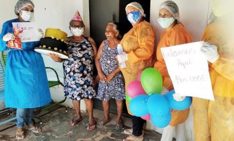 Idosos do SCFV aniversariantes de São Gonçalo do Gurgueia ganham festa em casa durante a pandemia