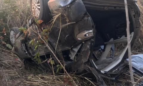 Mulher morre em acidente na BR 135 em Riachão das Neves