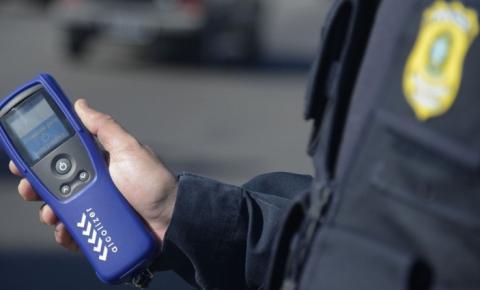 Condutor embriagado é preso pela PRF em Cristalândia após ser flagrado conduzindo veículo sem habilitação na BR 135