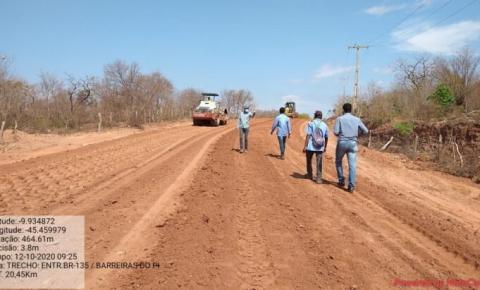 Governo do Estado recupera trecho da PI 260 em Barreiras do Piauí