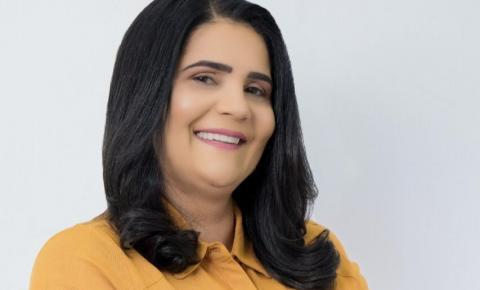 Empresária e candidata a vereadora de Corrente, Adélia Corado, esclarece que não solicitou auxílio emergencial e que fez devolução dos valores recebidos