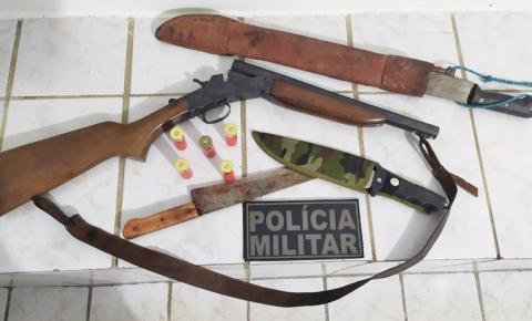 Condutor desobedece ordem de parada da polícia e é preso por desacato e porte ilegal de arma de fogo em Curimatá