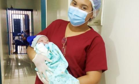 Com 4,4kg, nasce o primeiro bebê do ano no hospital municipal de Cristalândia do Piauí