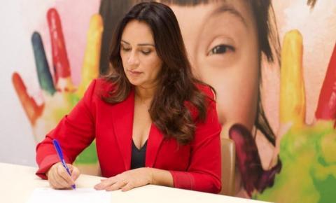 Rejane Dias quer incluir profissionais da educação e segurança como prioridade da vacinação