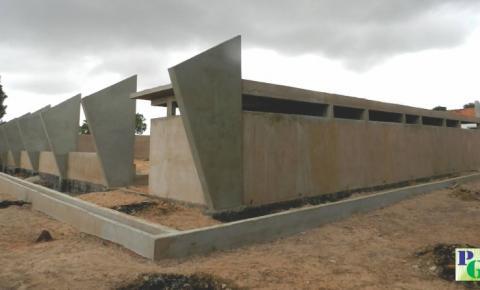 Obras oriundas de convênios com o governo federal estão abandonadas em Gilbués