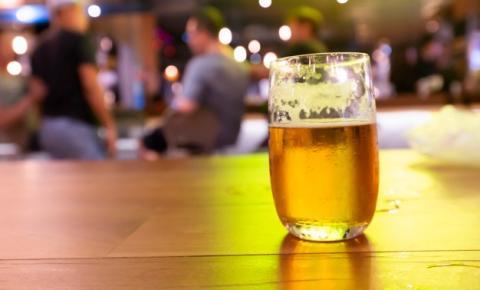 Decreto estabelece novo dia para funcionamento de bares e restaurantes