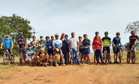 Vereador Joãozinho prestigia evento de mountain bike em Gilbués