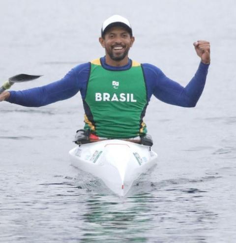 Piauiense Luís Carlos Cardoso é prata na canoagem em Tóquio