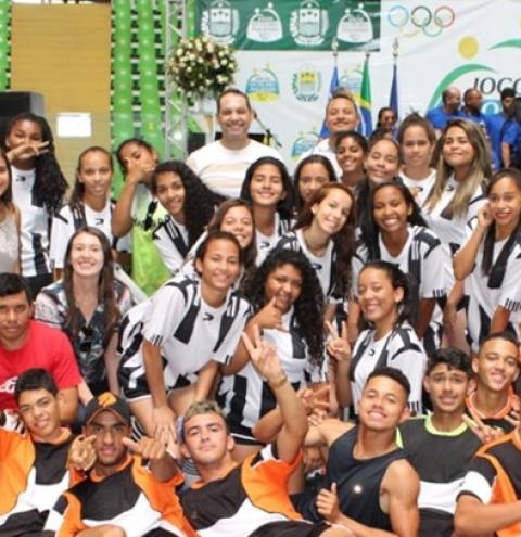 Estudantes de Corrente, Cristalândia e Riacho Frio participam dos Jogos Escolares Piauienses em Teresina