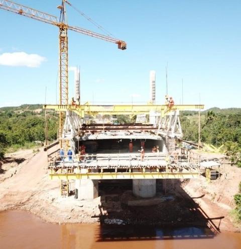 Ponte sobre o rio Parnaíba, em Santa Filomena, está com 60% da obra concluída