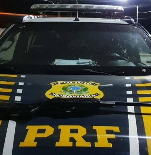 Após atendimento de acidente PRF apreende espingarda em veículo na BR 135 em São Gonçalo do Gurgueia