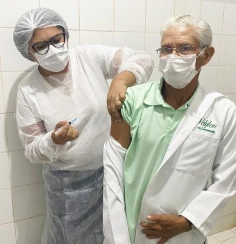 Profissionais da Saúde de Sebastião Barros são os primeiros contemplados com a vacina contra a covid