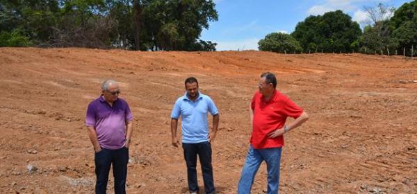 Prefeito Jesualdo Cavalcanti e Secretário Hélio Paranaguá visitam novas barragens no interior