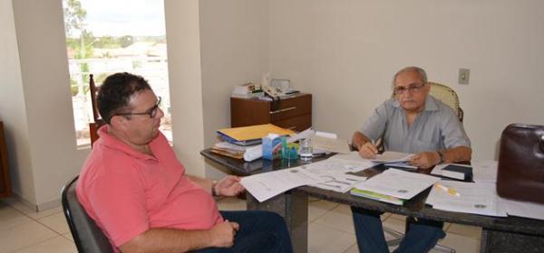 Prefeito Jesualdo Cavalcanti assina o termo de adesão ao Garantia Safra