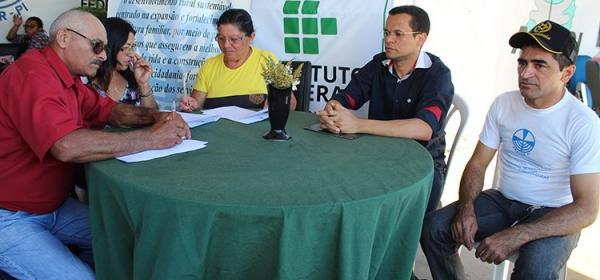 IFPI Corrente adquire alimentos da agricultura familiar para abastecer restaurante institucional